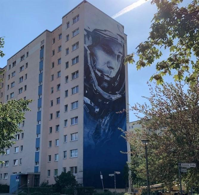 street art berlin victor ash