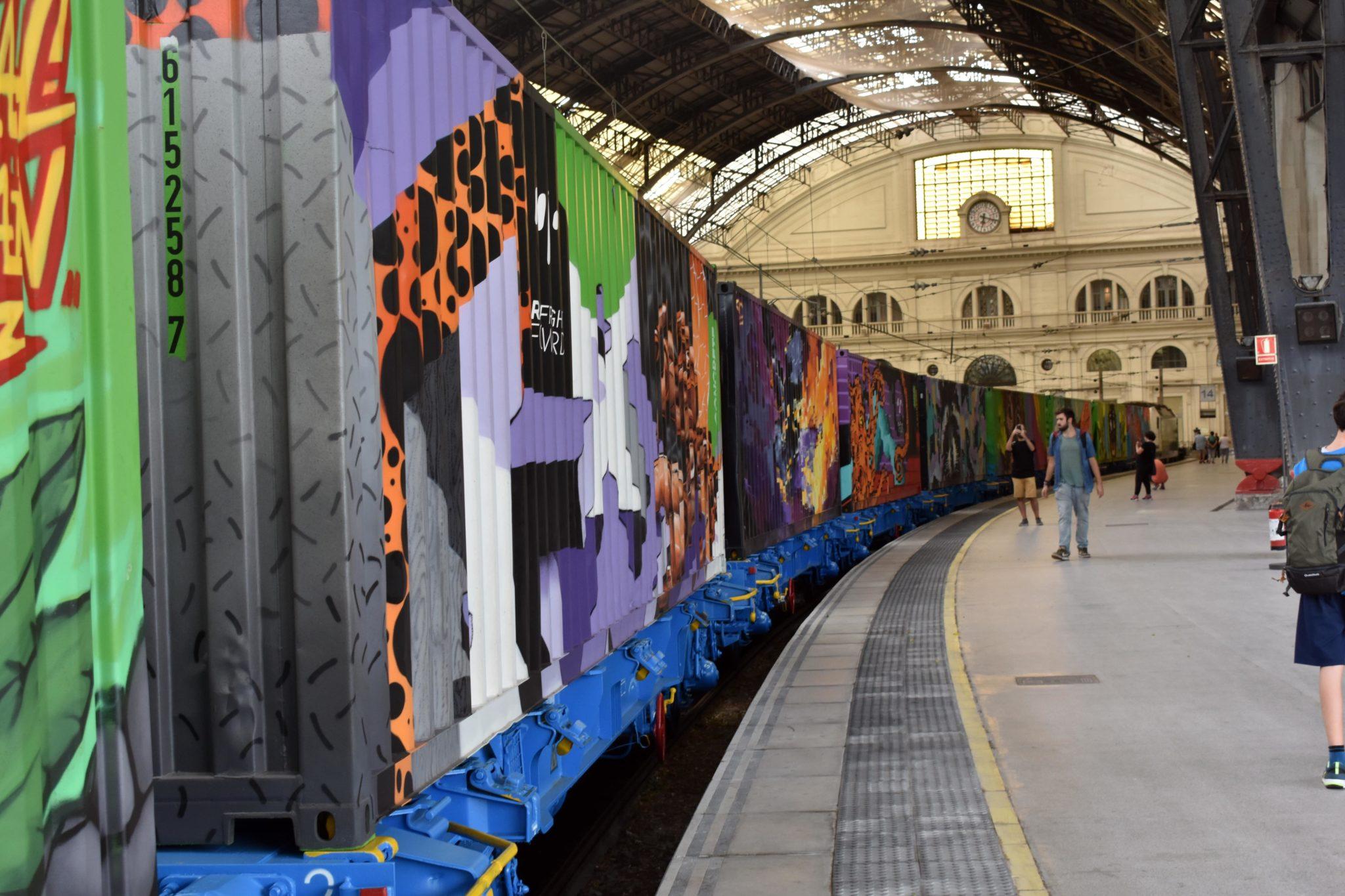Noah's train street art