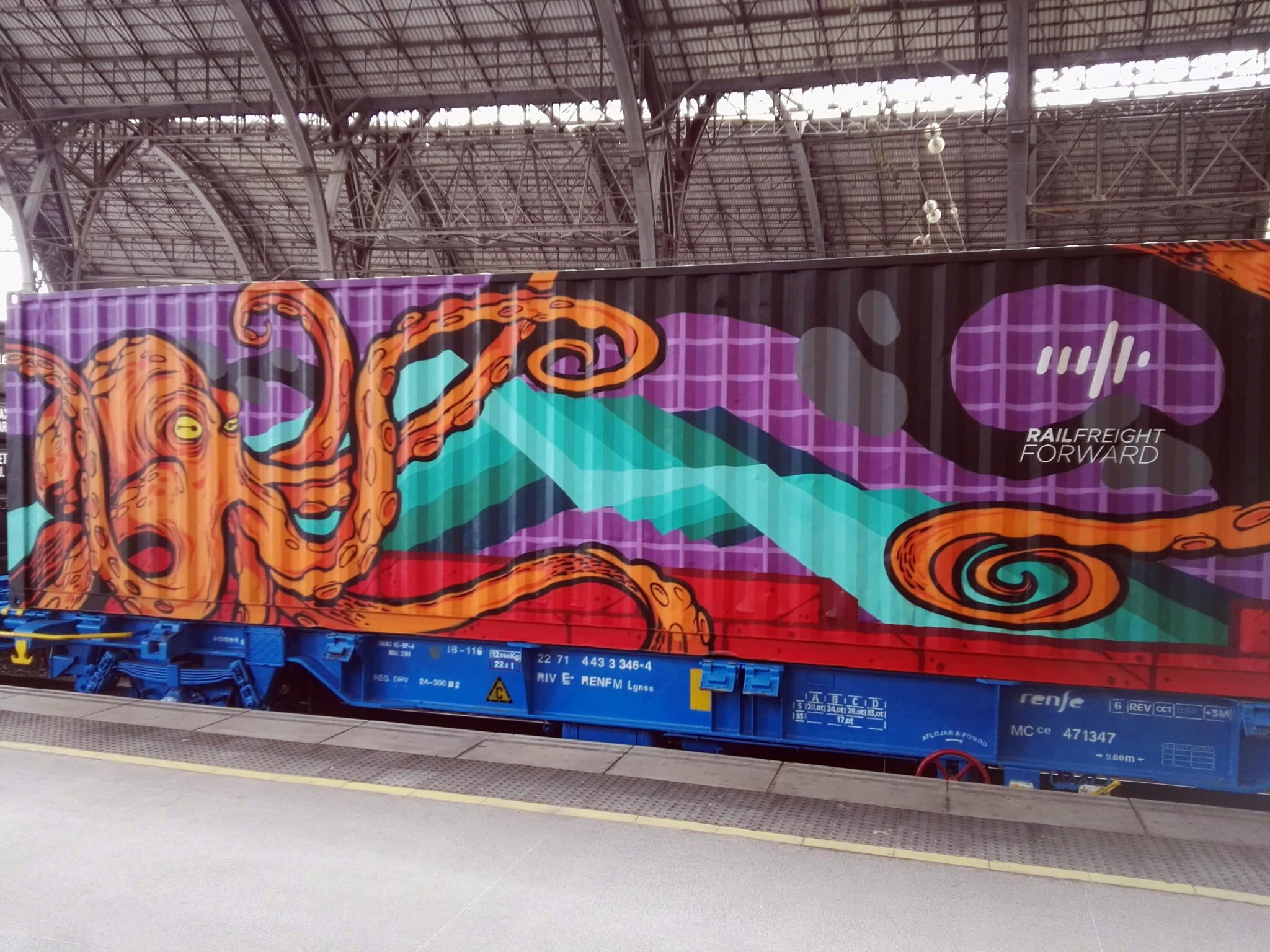 Riseone Noah's train Street art