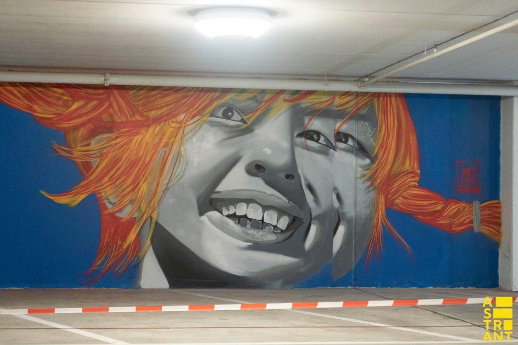ivesone streetart pipi langkous