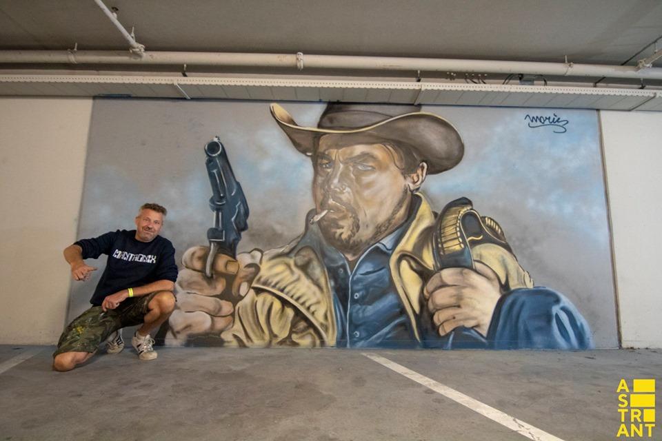 moris graffiti street art